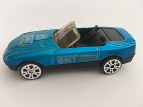 driving die-cast-blue-cabriolet